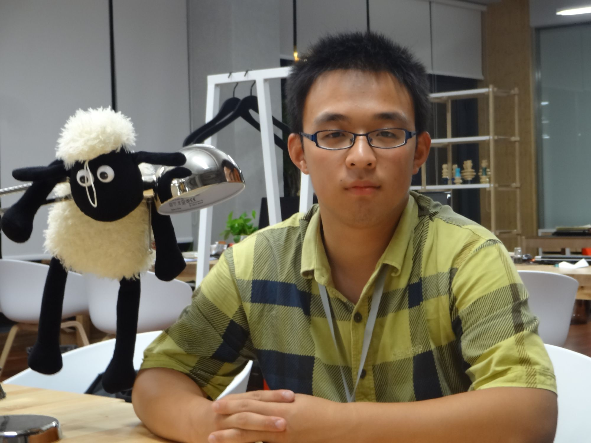 Chen Su Graduating in 2016: Hope To Improve Living Environment with Chemistry