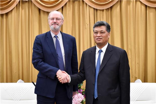 Ma Xingrui Meets with Nobel Laureate Robert H. Grubbs