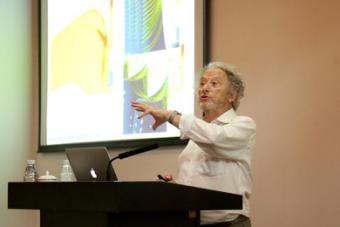 KVAB member Charles Hirsch speaks on industrial fluid mechanics development at SUSTech Lecture