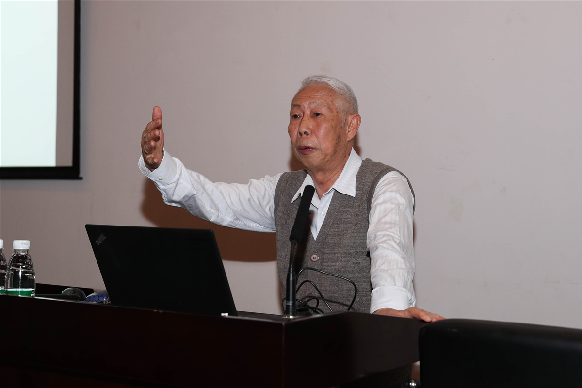 Distinguished mathematician Academician Zhang Gongqing elaborates on value of mathematics at SUSTech Lecture