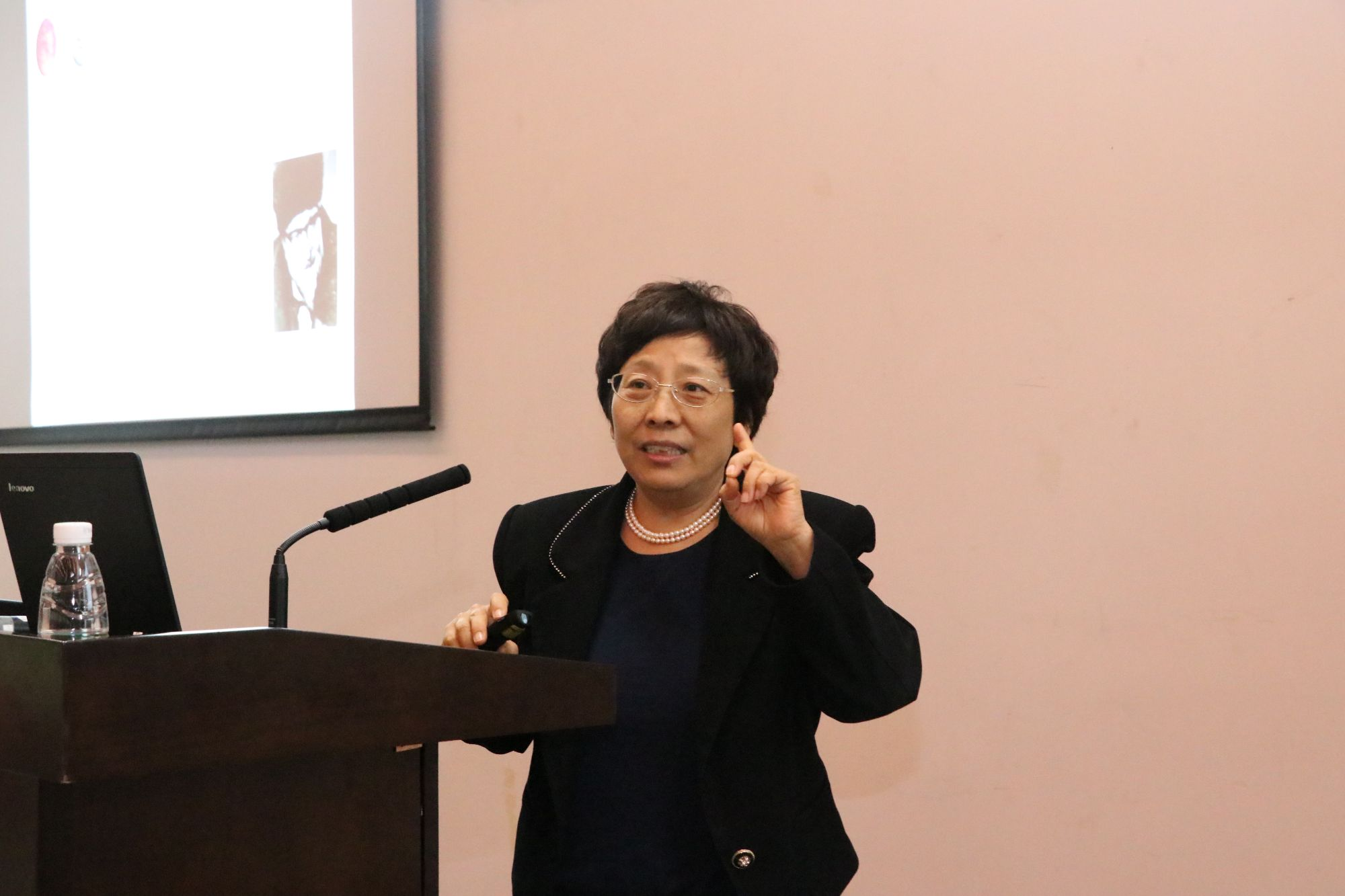Academician Zhao Yufen Revealed the Relationship between Phosphorus and the Origin of Life at SUSTech Lecture