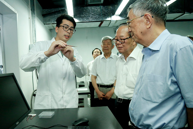 National Education Advisory Committee visits SUSTech