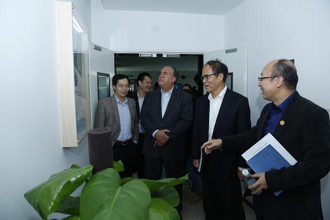 President of Shenzhen Laser Institute and Shuji Nakamura, Second Prize Winner of Nobel Prize in Physics visit SUSTech
