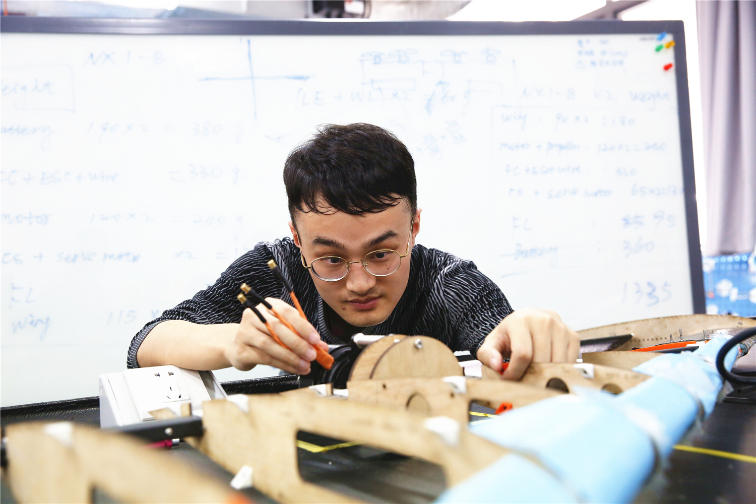 Superb Xu Dehao: Dreams of Designing Aircraft, Persists in Pursuing the Terror of Turbulence