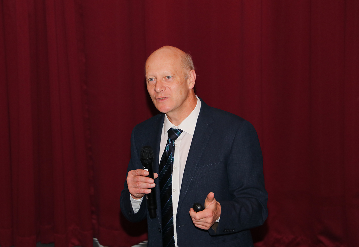 Max-Planck-Institute Director Lectures on Wetting of Superamphiphobic Surfaces