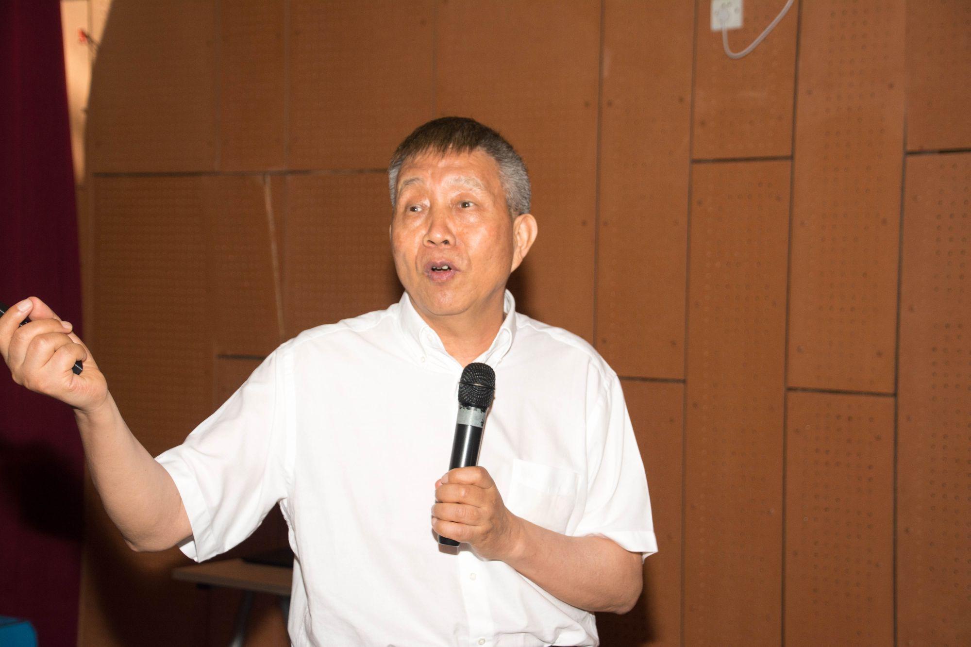 CAS Fellow Zhang Tongyi Lectures on Materials Informatics