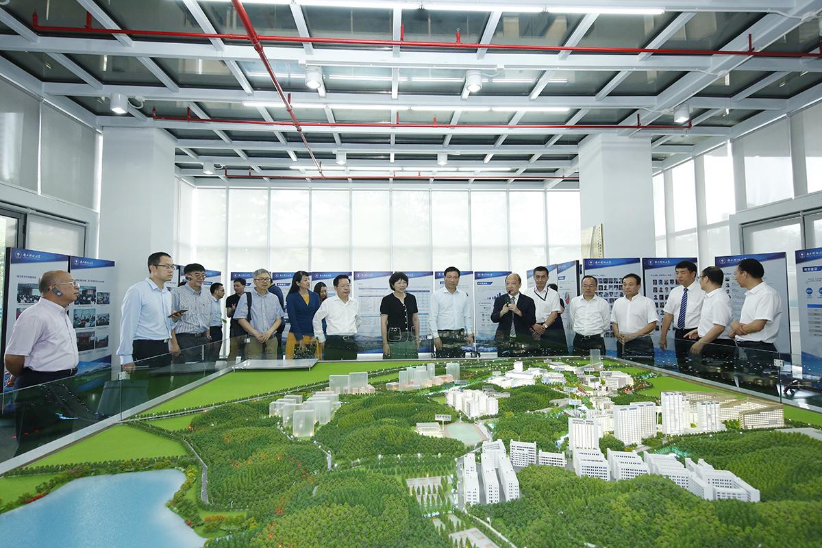 Mayor of Shenzhen Visits SUSTech