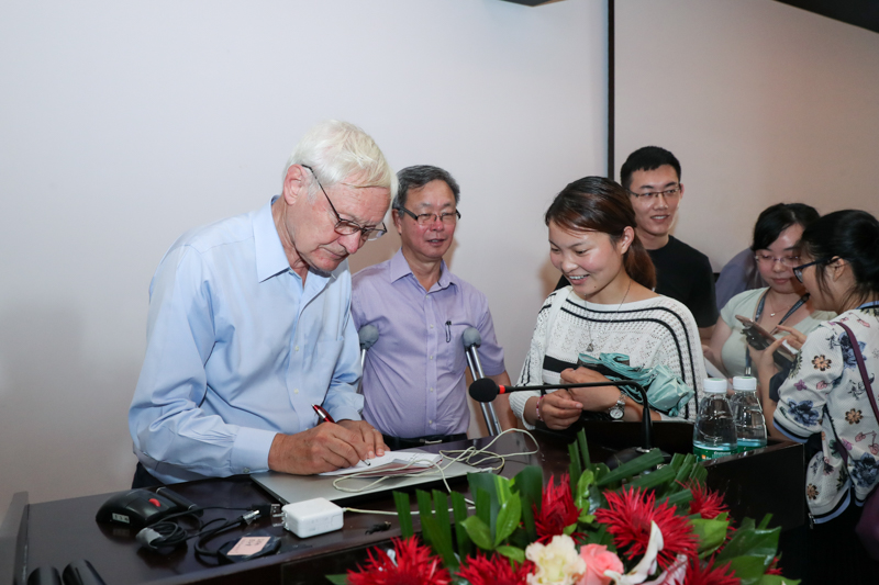 2017 Nobel Laureate Joachim Frank Guest Lectured on Cryo-Electron Microscopy
