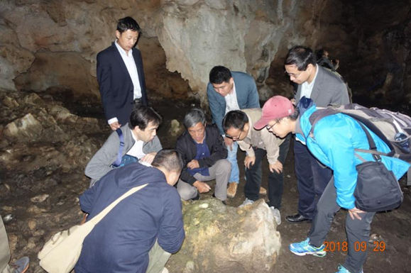 SUSTech Conducts Environmental Magnetic Study in Ancient Karst Cave Archaeological Research