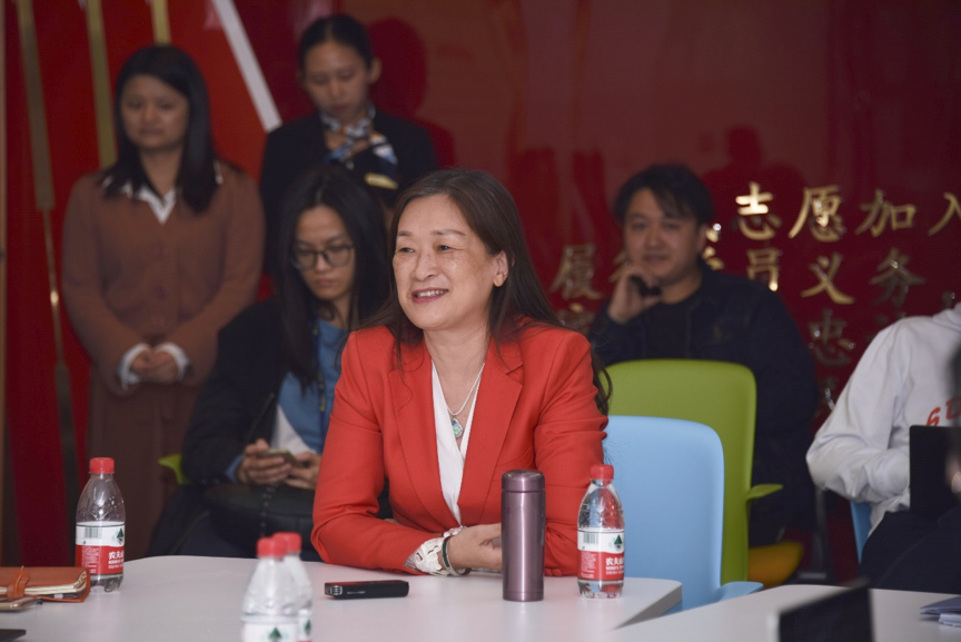 Chen Xiaohong lectures about Innovation and Entrepreneurship in the Era of the Digital Economy
