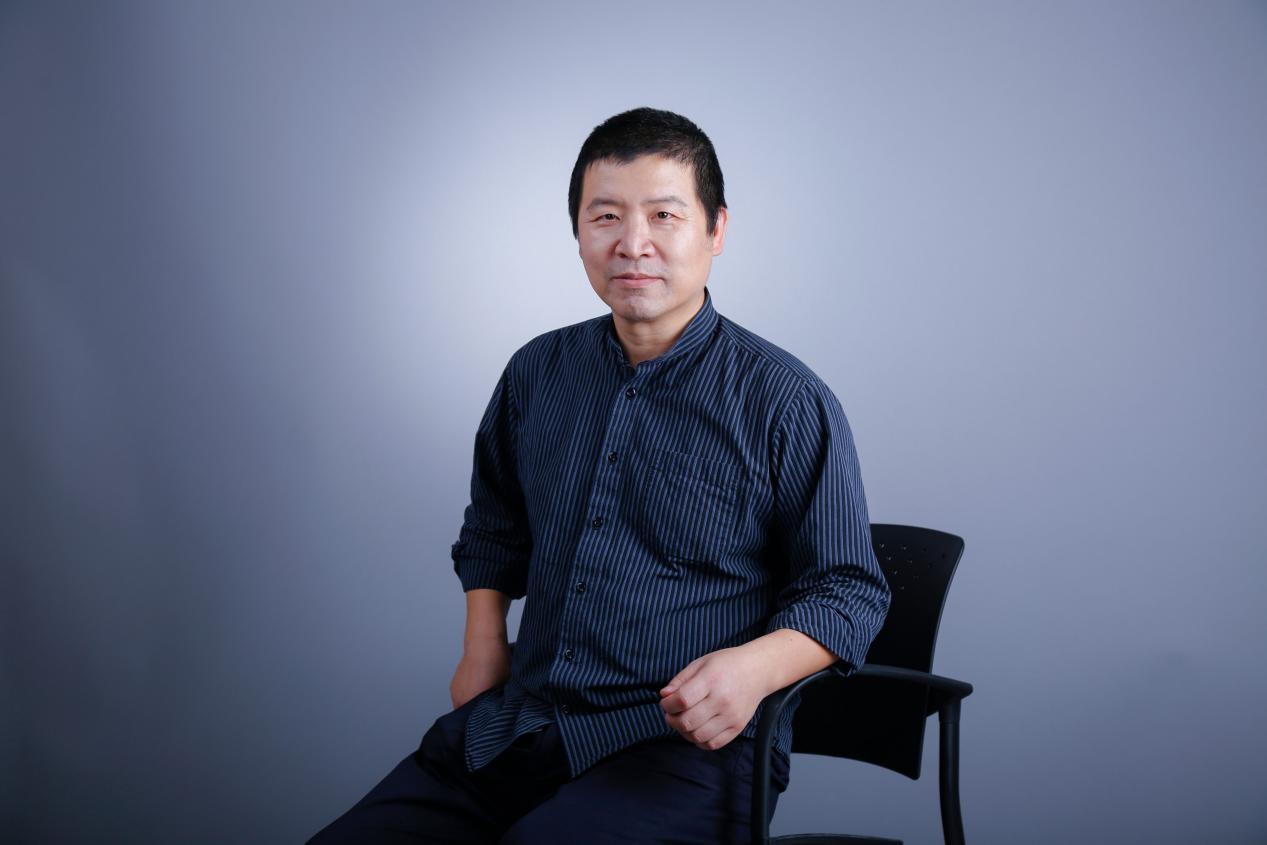 "SUSTech Professor Liu Qingsong awarded title of ""National Model Teacher"" in 2019"