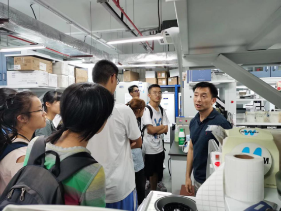 Department of Biology hosts Laboratory Open Day