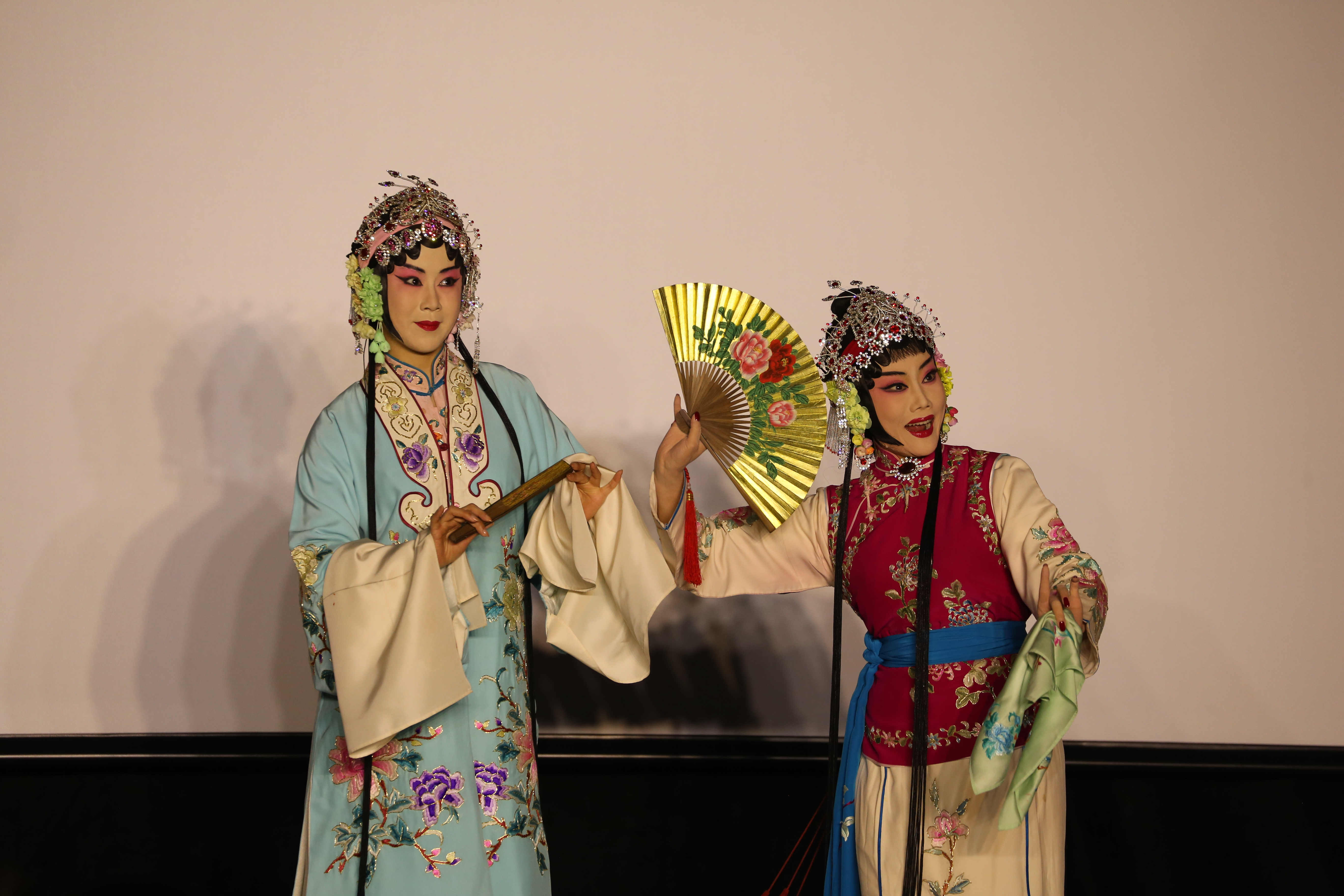 SUSTech welcomes Peking Opera masters to campus