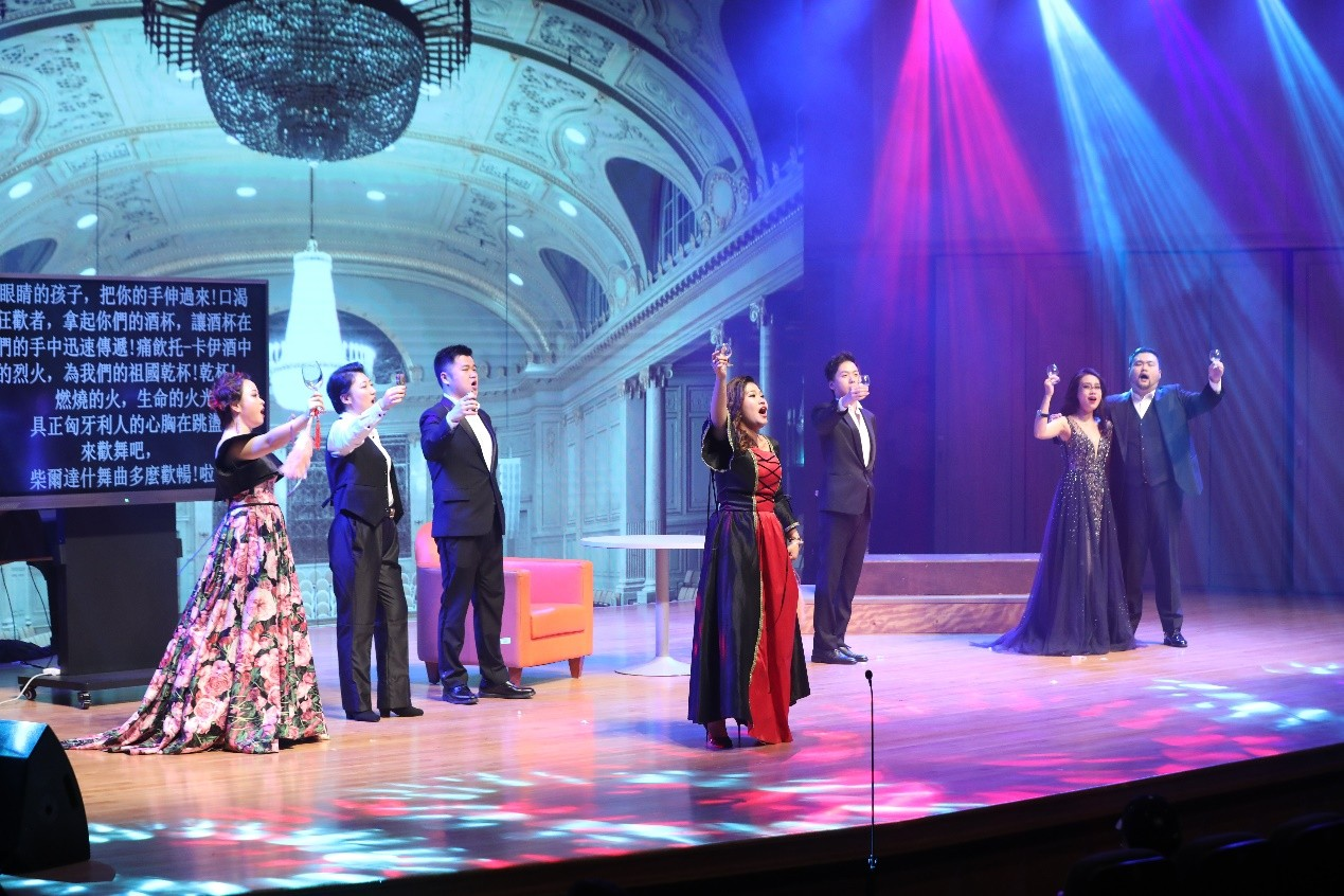 SUSTech hosted Opera Director performance