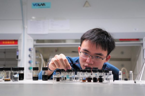 Excellent chemistry undergraduate wins Guangdong Youth Award
