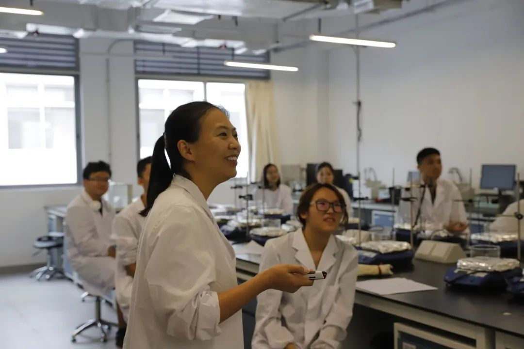 Wonder Materials course brings new perspective to experiments in SUSTech laboratory